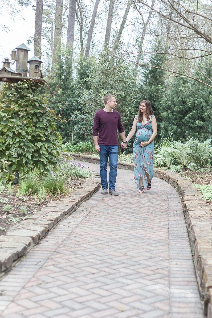 romantic couples maternity session botanical garden arboretum
