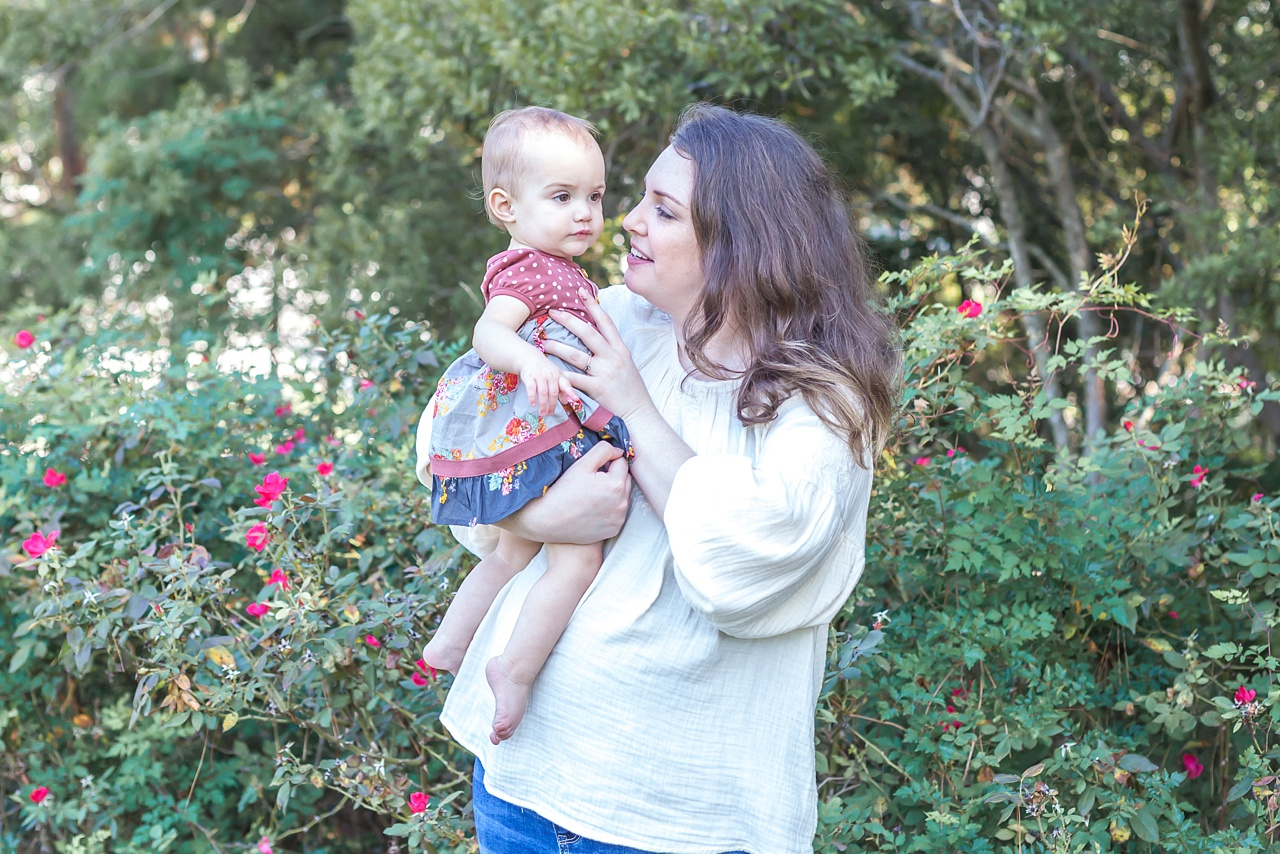 casual mommy and me session the woodlands waterway