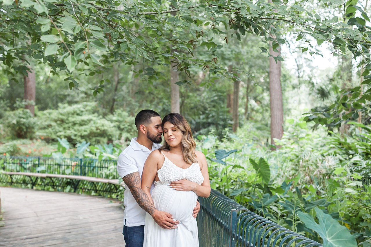 nature-themed maternity photo shoot at mercer botanic garden by kristal bean photography