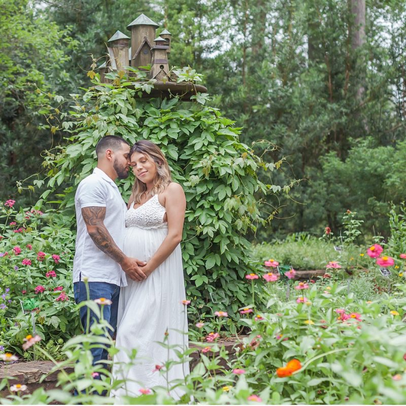 beautiful maternity session at mercer arboretum by kristal bean photography