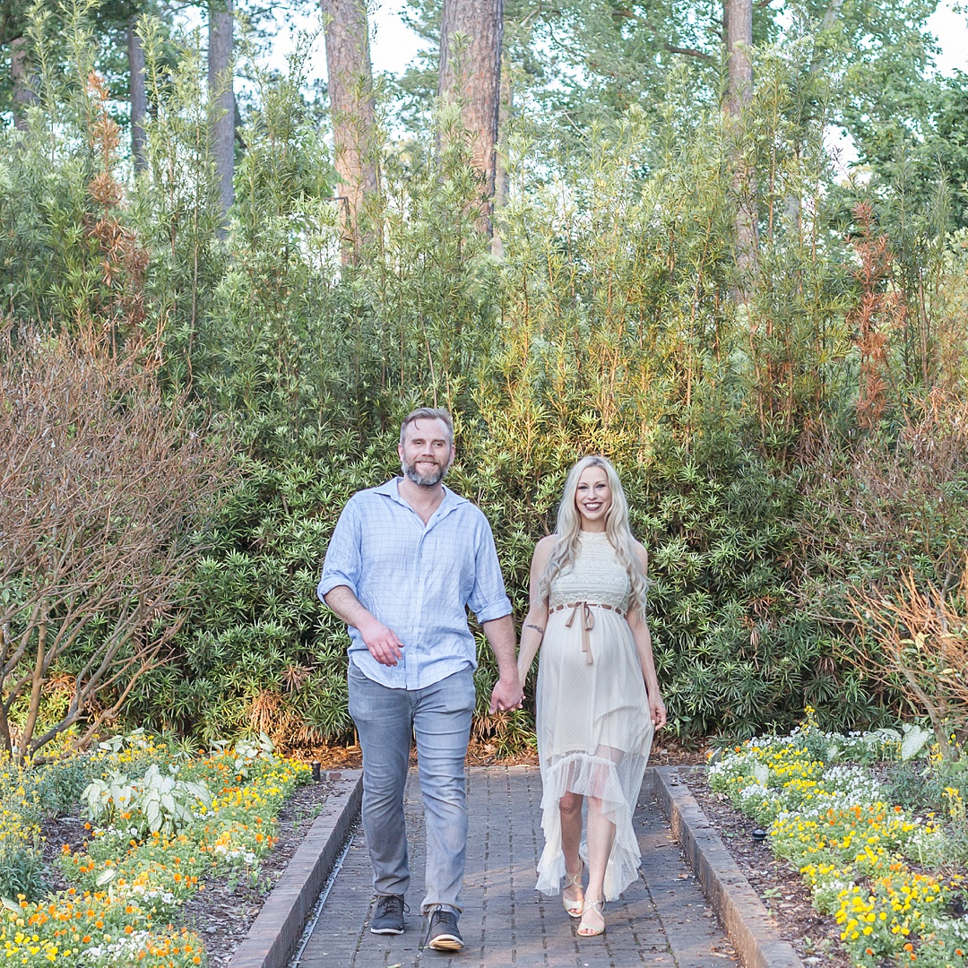 outdoor sunset maternity photos by kristal bean photography