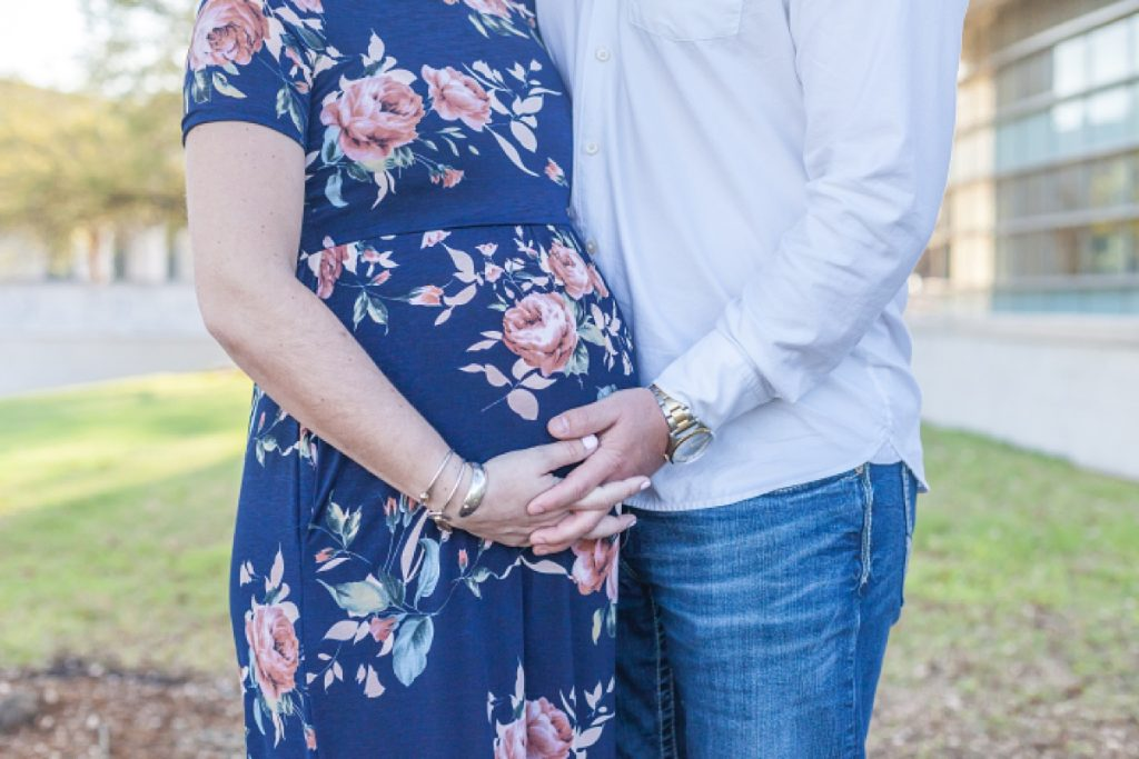 texas aggie maternity photo session by kristal bean photography