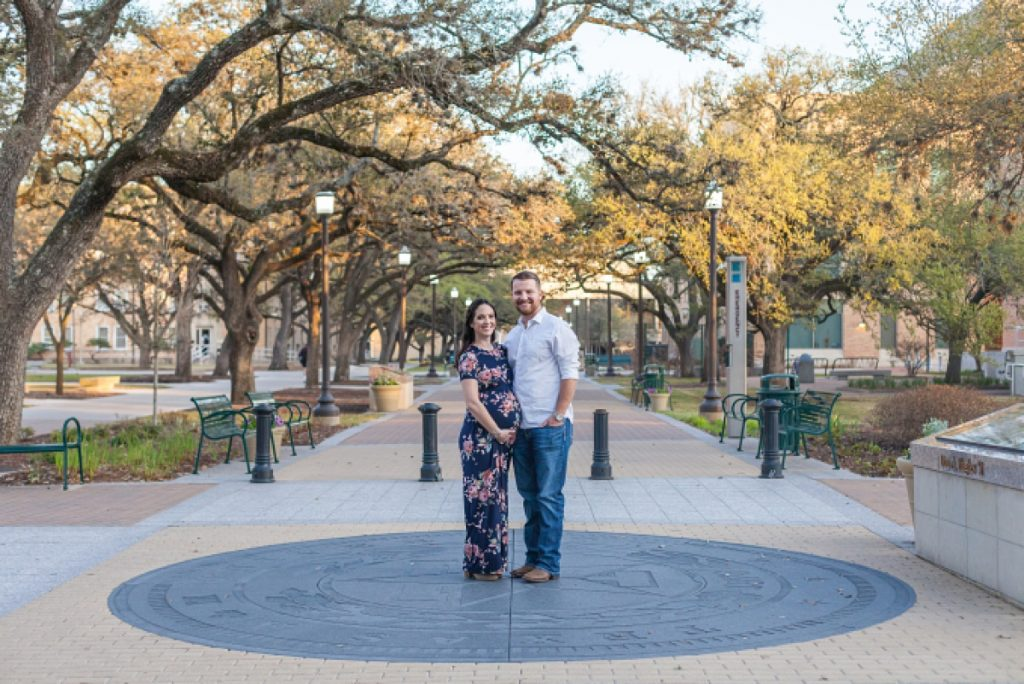 maternity photos at texas a&m by kristal bean photography