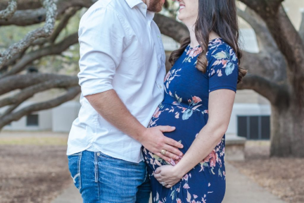 maternity photos under texas a&m century tree